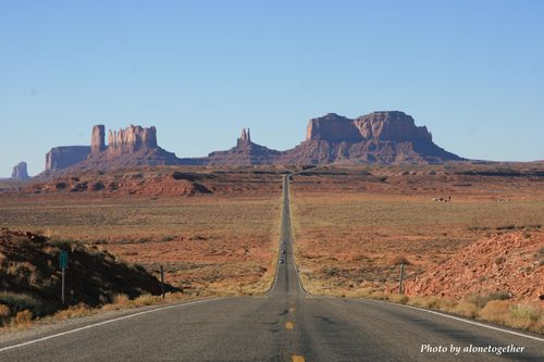 Road to Monument Valley (AZ)